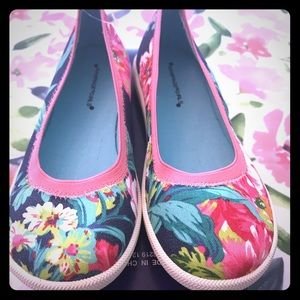 Rampage Girls Floral Flat (Never been worn)
